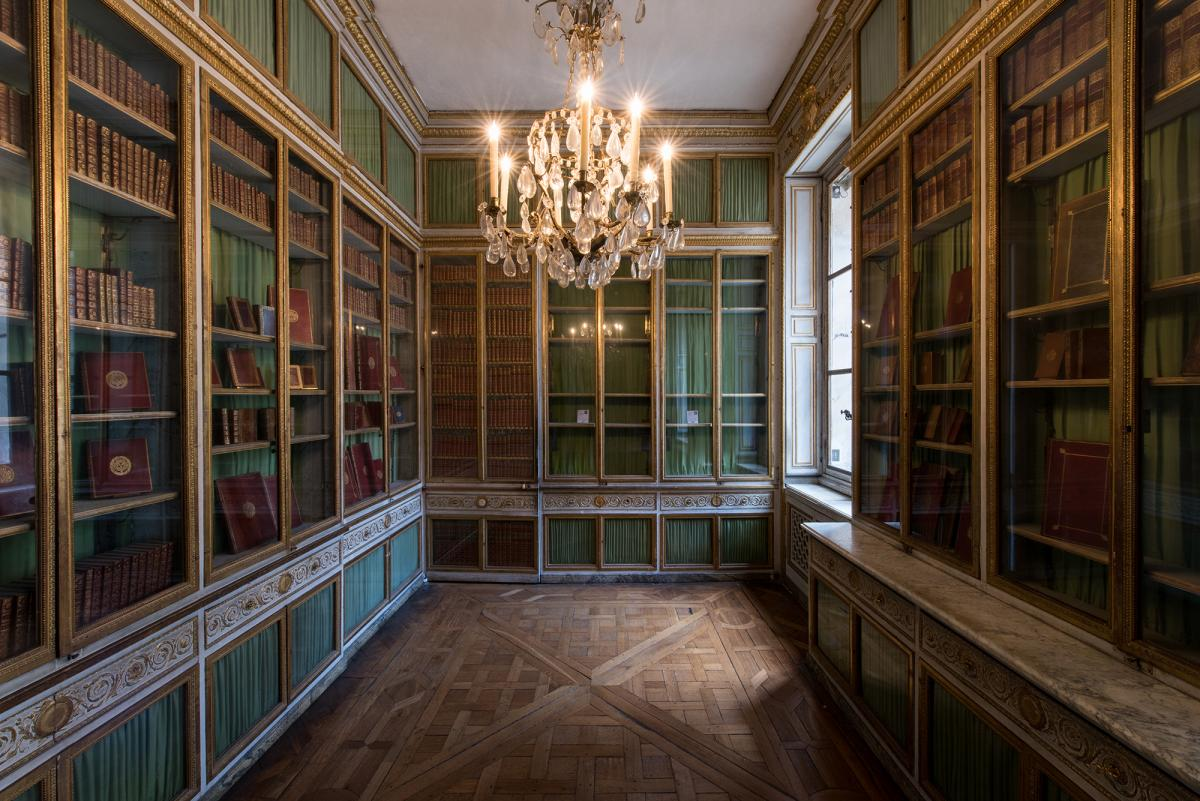 Restoration Of The Queen S Library Palace Of Versailles