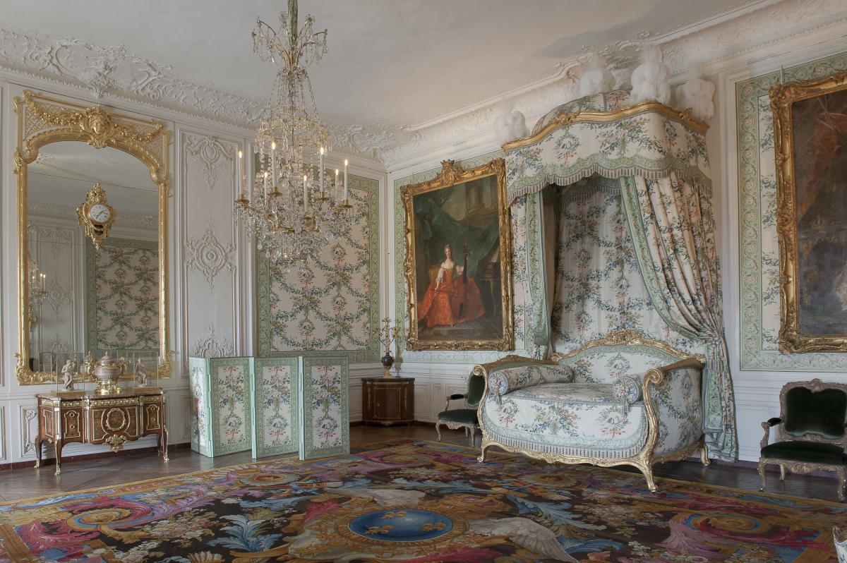 Refurnishing the royal residence palace of versailles - Residence grand siecle versailles ...