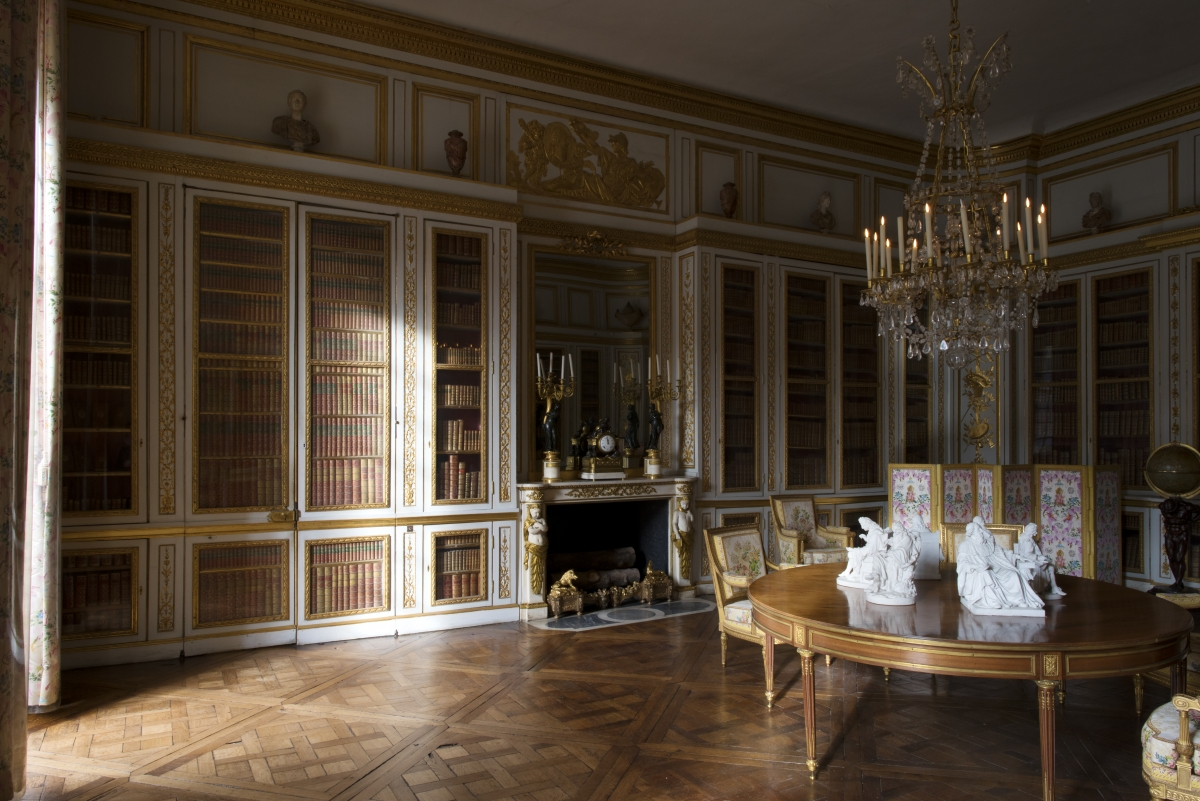 the king s private apartments palace of versailles. Black Bedroom Furniture Sets. Home Design Ideas