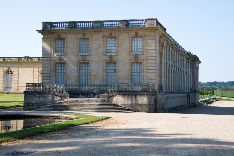 Twenty years after it was built the trianon palace had become too small to house all of louis xivs family shortly before his death in 1708