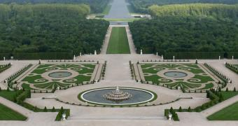 aerial view of the gardens of versailles