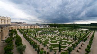 the gardens palace of versailles. Black Bedroom Furniture Sets. Home Design Ideas