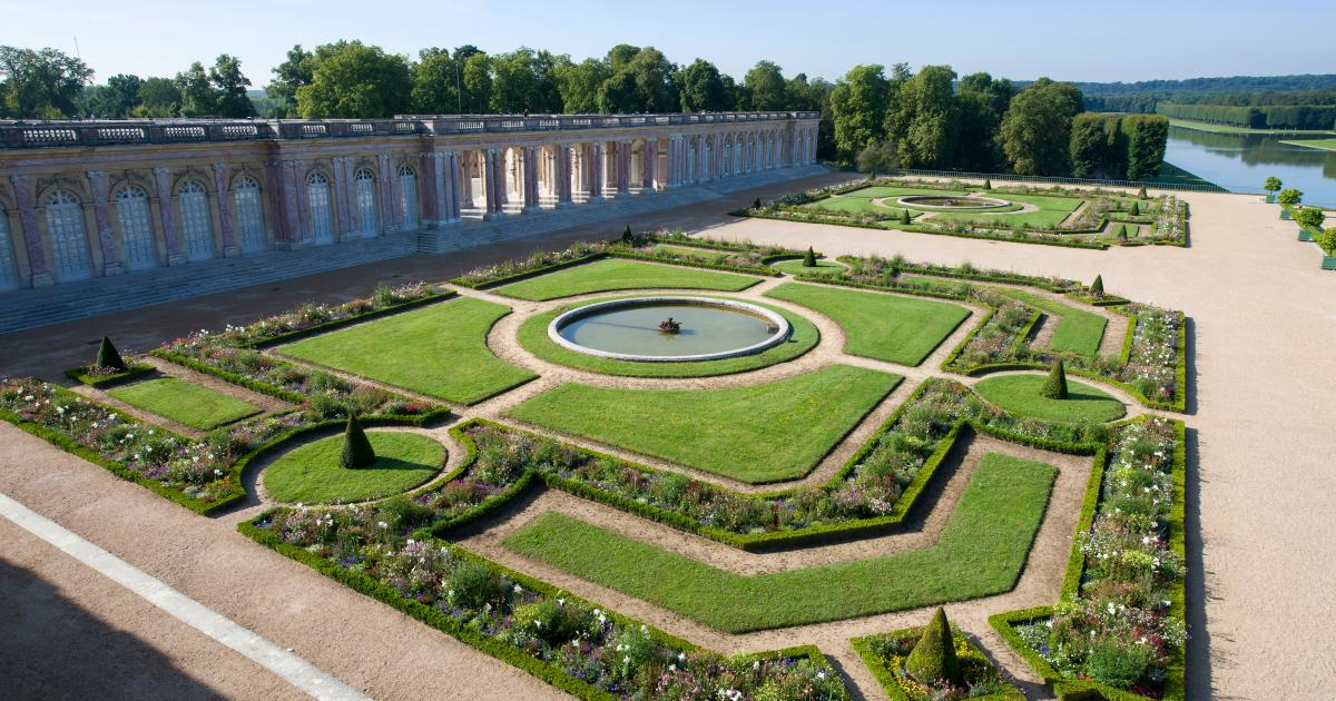 The gardens of the grand trianon palace of versailles - Jardin chateau de versailles horaires ...